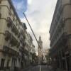 Elevación de cargas en centro ciudad con Grúa Autopropulsada
